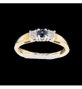 Yellow gold sapphire ring and diamonds