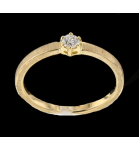 Solitaire yellow gold and diamond