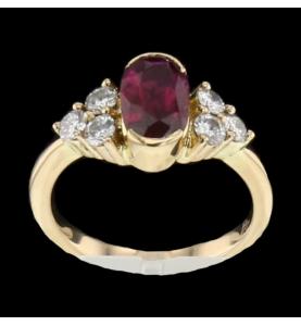 Bague en or jaune rubis et diamants