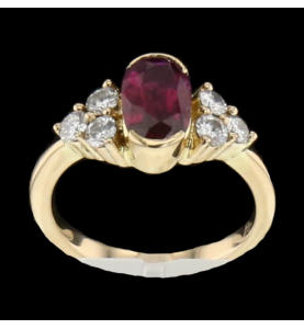 Ring in ruby yellow gold and diamonds