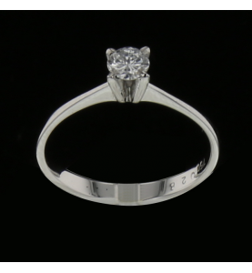 Solitaire ring in 0.30 carat white gold