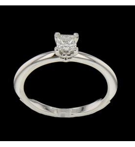 SOLITAIRE RING WHITE GOLD SQUARE SIZE