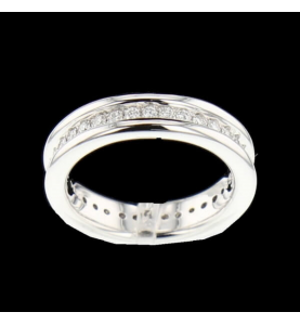 Eternity Ring 33 diamonds