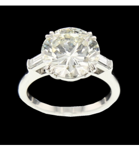 Platinum ring 4.392 carats
