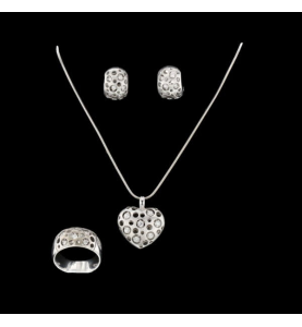 Grey gold and 1.90 carat diamonds